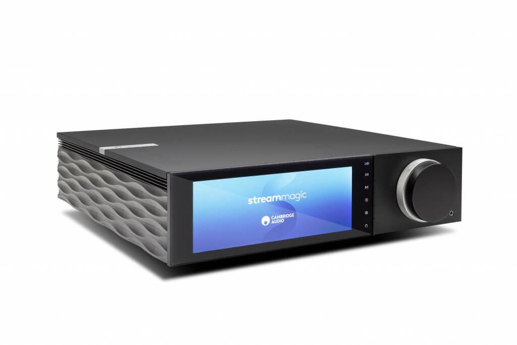 """Cambridge Audio Evo All-in-One-Player: die nächste Evolutionsstufe des """"Great British Sound"""" Die All-in-One-Player Evo 150 mit 150 Watt Leistung bei acht Ohm und Evo 75 mit entsprechend 75 Watt verbinden die unverfälschte Audio-Erfahrung der letzten Jahre mit neuer Technologie und bester Konnektivität. Beide verfügen über eine herausragende Hypex NCore Class-D-Verstärkung, die nicht nur für die Effizienz und den kompakten Formfaktor verantwortlich ist, sondern auch in Sachen Klarheit und Auflösung überzeugt."""