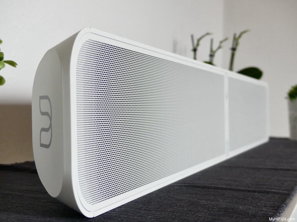 Wir wollten mal wieder eine Soundbar testen für Euch und haben uns von der Firma Bluesound die Pulse Soundbar 2i mit der Kombination Pulse Sub+ geholt. Die Zukunft zeigt, dass die Wohnzimmer immer Smarter werden und eine Soundbar daher hervorragend in das Bild hineinpasst. Wie die Soundbar von Bluesound mit dem Wireless-Subwoofer Pulse Sub+ spielt und welche Feature in ihr stecken, zeigen wir Euch hier in diesem Testbericht.