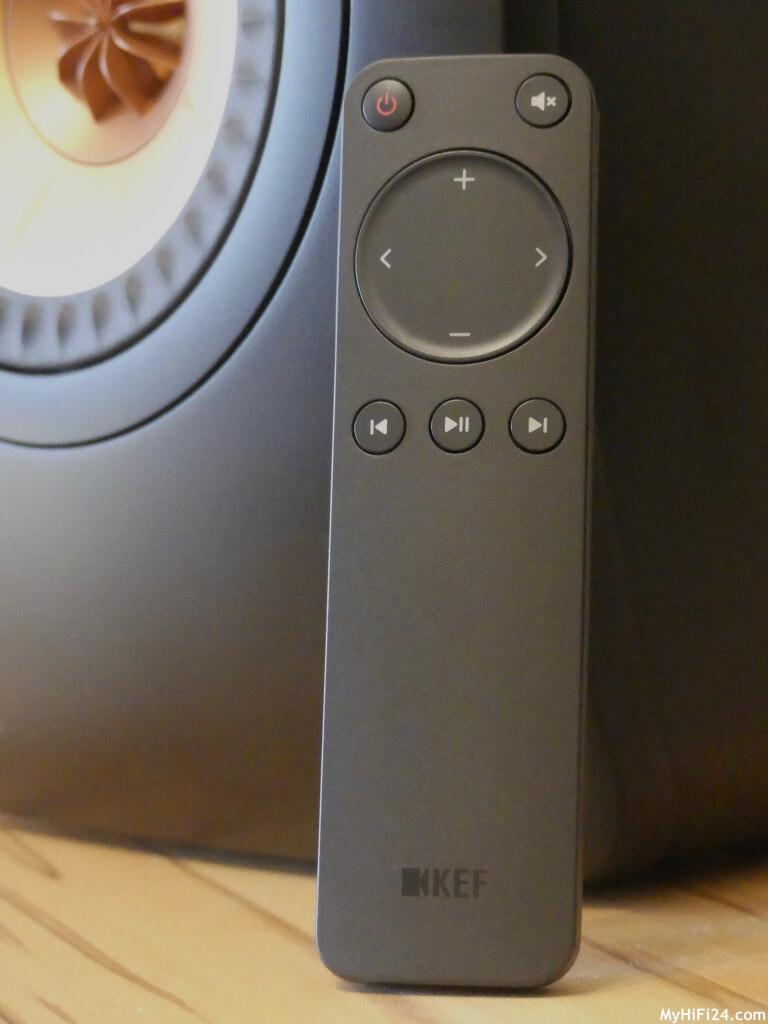 Der Aktivlautsprecher LS50 Wireless II von der Firma KEF war zu Gast bei uns und wir haben ihn gleich mal unter die Lupe genommen. Der LS50 Wireless II wurde nochmal mit dem ein oder anderen Feature ausgestattet und verbessert, gegenüber zu seinem Vorgänger. Welche Möglichkeiten uns das System bietet um Zuspieler oder andere Quellen abspielen zu können, zeigen wir Euch jetzt hier in diesem Testbericht von uns.