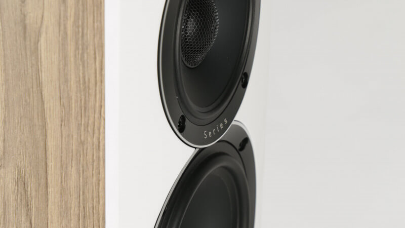 ELAC Uni-Fi Reference: Made to be your personal reference